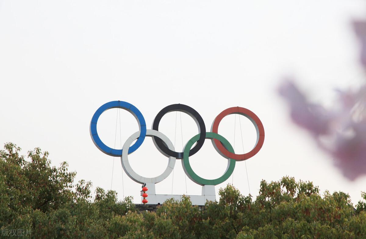 东京奥运村挂起五星红旗,智库直播与你同为中国奥运健儿加油